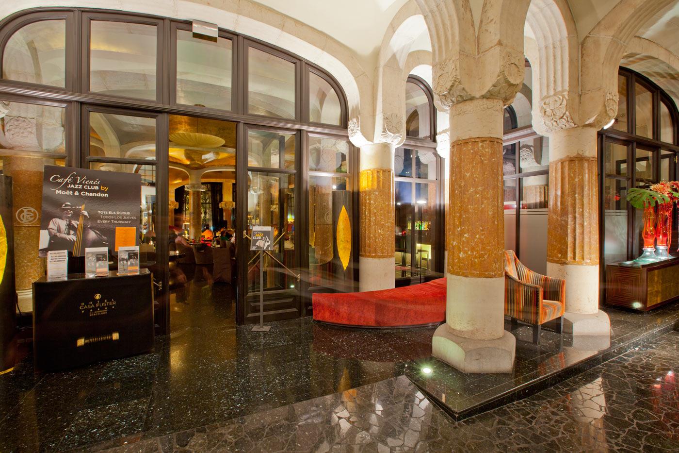 Disfrute del mejor jazz en el salón del Café Vienés 1