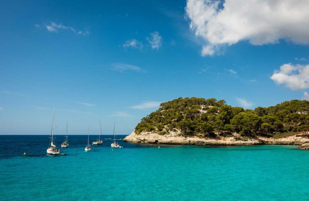 Encanto costero y lujo, así es vivir en Menorca 1