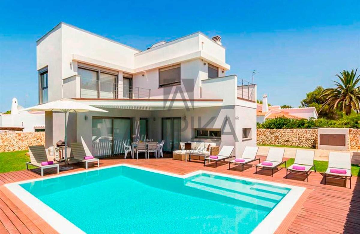 Encanto costero y lujo, así es vivir en Menorca 4