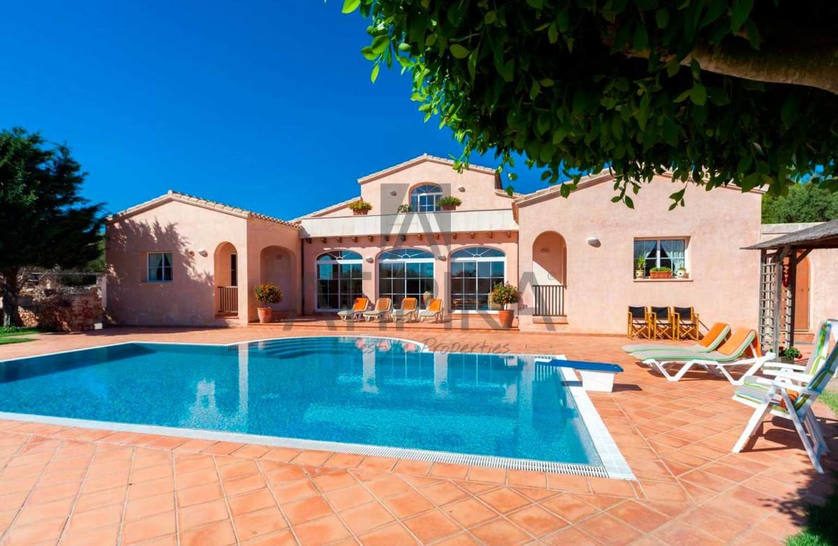 Encanto costero y lujo, así es vivir en Menorca 7