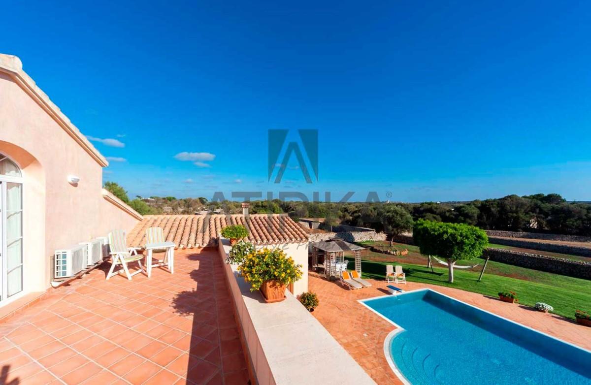 Encanto costero y lujo, así es vivir en Menorca 8