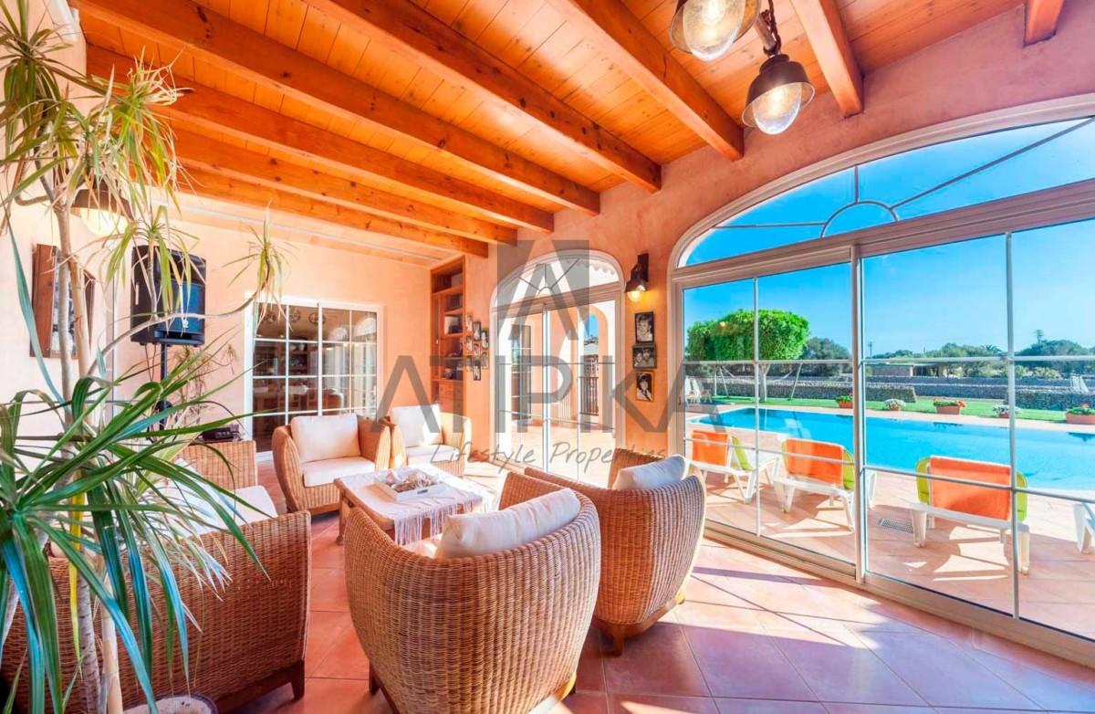Encanto costero y lujo, así es vivir en Menorca 9