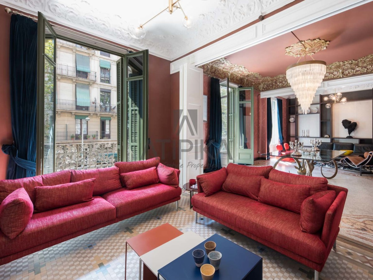ATIPIKA offers you the dream of a modernist house in the heart of the 'Quadrat d'Or' 5