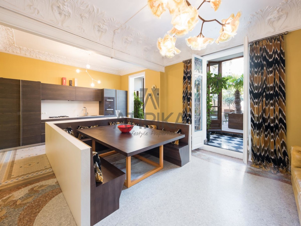 ATIPIKA offers you the dream of a modernist house in the heart of the 'Quadrat d'Or' 6