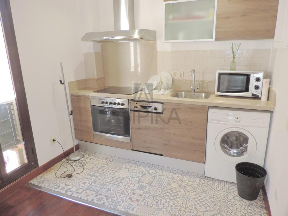 Acogedor apartamento muy luminoso de una habitación con inquilino junto a la playa de 'La Barceloneta' 2